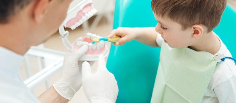 Bambini con paura del dentista? Ecco come superarla